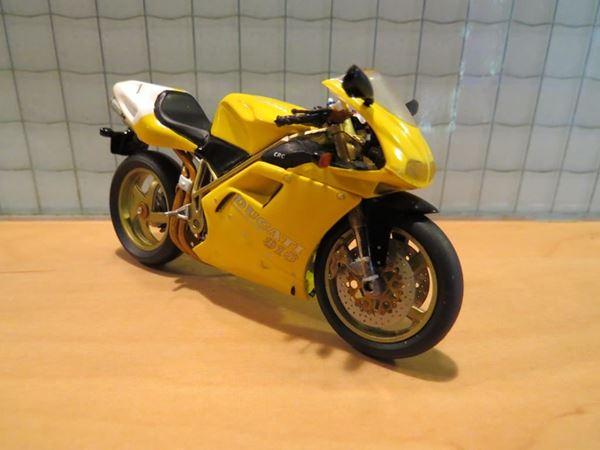 Picture of Ducati 916 SP 1:24