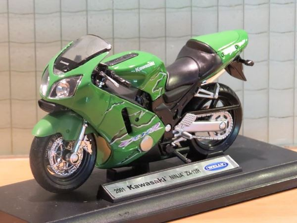 Picture of Kawasaki ZX-12R groen 1:18 19660 welly