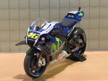 Picture of Valentino Rossi Yamaha YZR-M1 2016 1:18 182163046