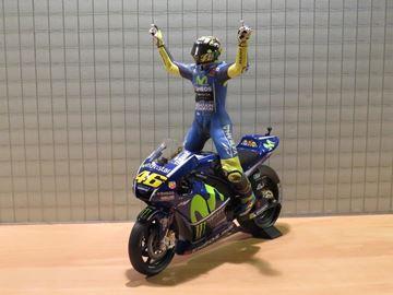 Picture of Valentino Rossi Yamaha YZR-M1 2017 winner Assen 1:12 122173146