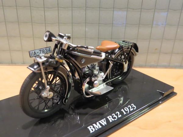 Picture of BMW R32 1:24 Atlas