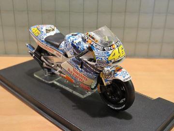Afbeelding van Valentino Rossi Honda NSR500 Mugello 2001 1:24
