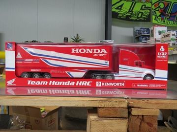 Picture of Honda HRC Factory racing truck 1:32