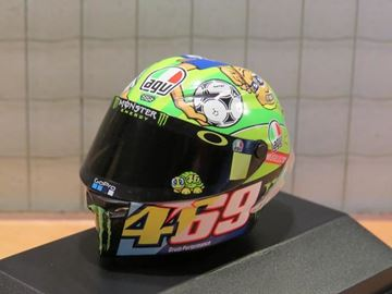 Picture of Valentino Rossi AGV helm 2017 Mugello 1:8 398170086