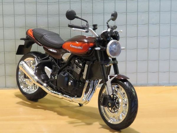 Picture of Kawasaki Z900RS 1:12 brown/red
