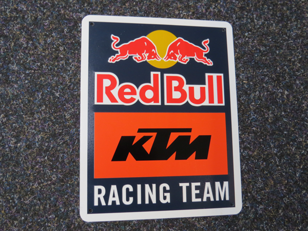 Picture of KTM Red Bull team sign KTM19065
