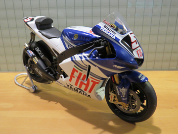 Afbeelding van Colin Edwards Fiat Yamaha YZR-M1 2006 1:12