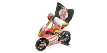 Picture of Valentino Rossi Ducati Desmosedici GP11.2 tribute 1:12 122112146