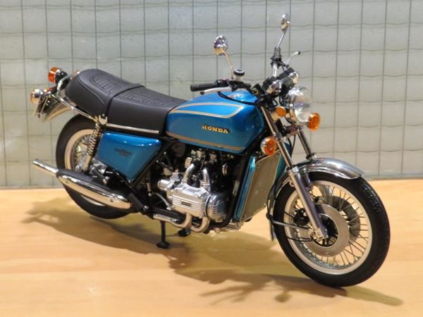 Picture of Honda GL1000 Goldwing 1:12 122161600 blue