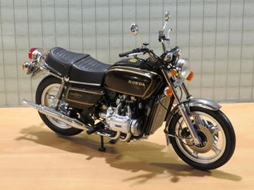 Picture of Honda GL1000 Goldwing 1:12 122161610 maroon