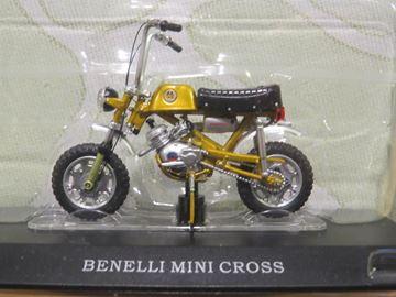 Afbeelding van Benelli Mini Cross brommer 1:18 (M009)