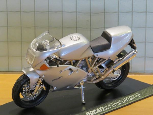 Picture of Ducati Supersport 900 FE 1:18 Maisto los