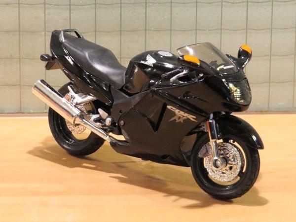 Picture of Honda CBR1100XX Blackbird black 1:18 blister