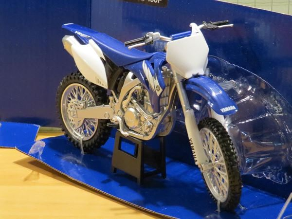 Picture of Yamaha YZ450F 1:12 42693