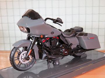 Afbeelding van Harley Davidson CVO Road Glide 1:18 (n79)
