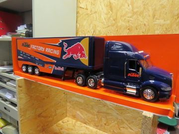 Afbeelding van KTM Factory racing truck 1:32 Red Bull 14393