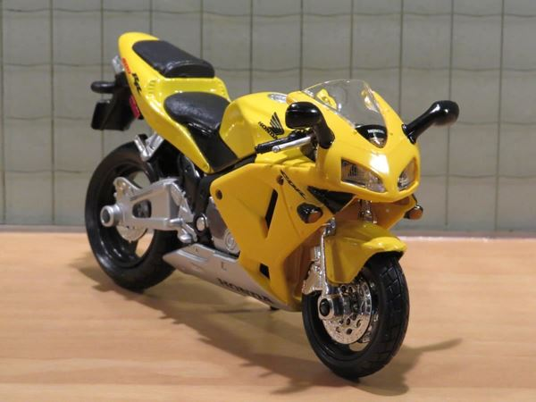Picture of Honda CBR600RR CBR600 yellow 1:18 blister