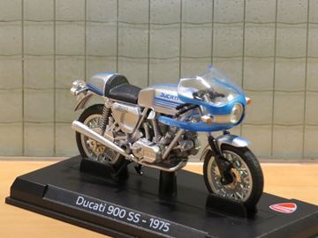 Picture of Ducati 900 SS 1975 1:24