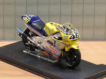 Picture of Valentino Rossi Honda NSR500 2001 1:24