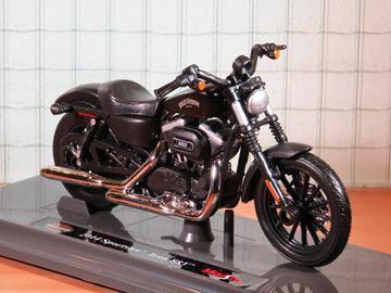 Afbeelding van Harley Davidson Sportster Iron 883 black 2014 1:18 (n74)