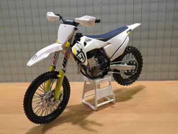 Picture of Husqvarna FC 450 2019 1:12 3HS200022200
