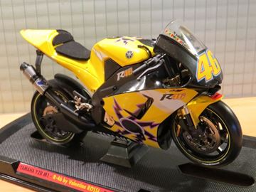 Picture of Valentino Rossi Yamaha YZF-R46 2005 1:10