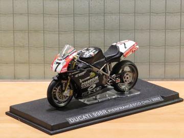 Afbeelding van Pierfrancesco Chili Ducati 2002 1:24