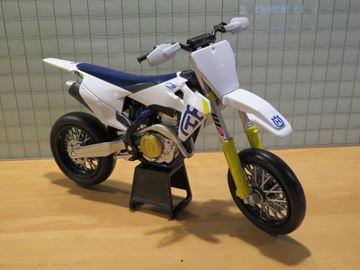 Afbeelding van Husqvarna FS 450 2019 Super motard 1:12 58163