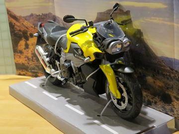 Afbeelding van BMW K1300R 1:12 yellow 600905