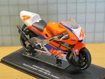 Afbeelding van Mick Doohan Honda NSR500 1994 1:22