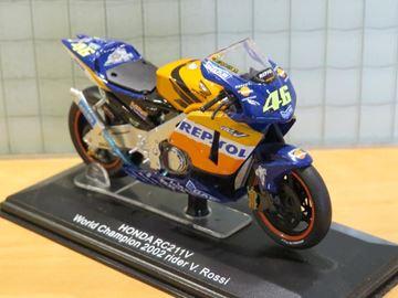 Afbeelding van Valentino Rossi Honda RC211V 2002 1:22