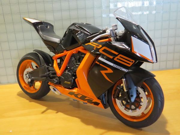 Picture of KTM 1190 RC8 R 1:10
