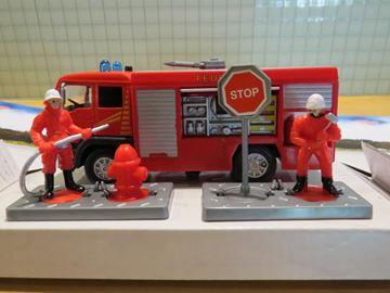 Afbeelding van Brandweer actie set brandweerauto + mannen