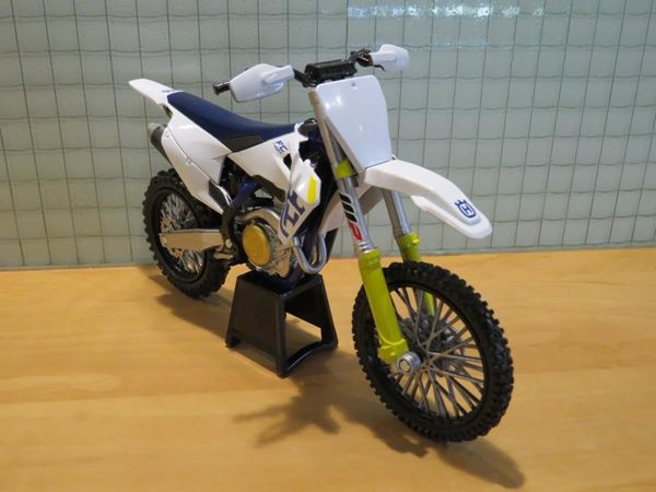 Picture of Husqvarna FC 450 2019 1:12 New Ray