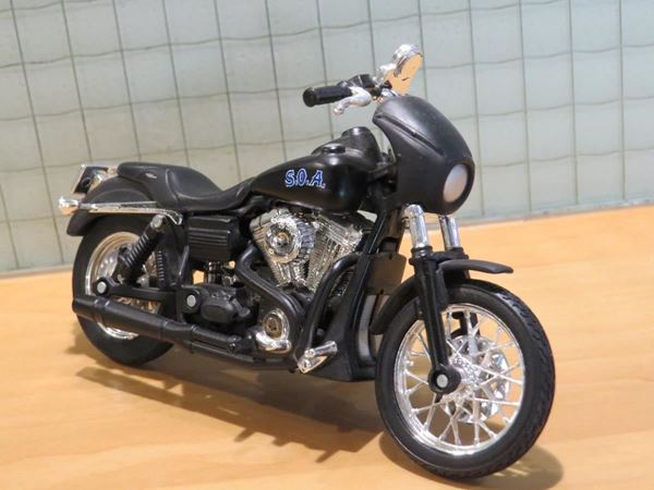 Picture of Harley Davidson FXDBI 2006 Sons of Anarchy Tig 1:18 los